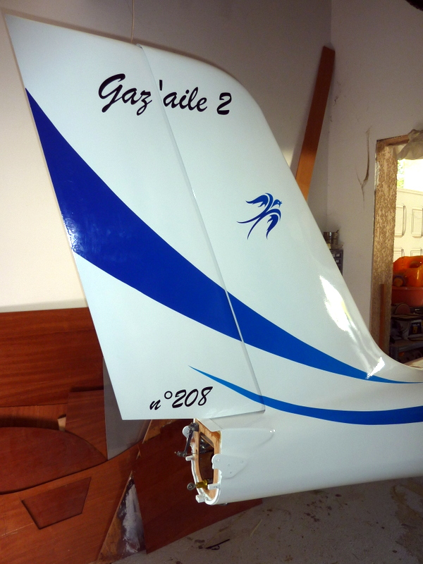 gaz'aile empennage vertical 208